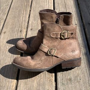 Born ankle booties, sz 7